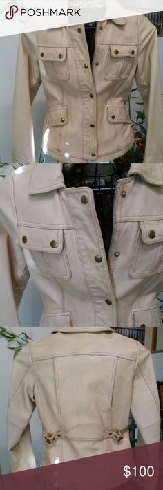 Shop Women's Banana Republic Tan size Size 5 Jackets & Coats at a discounted price at Poshmark. Banana Republic Jackets, Military Jacket, Jackets For Women, Leather Jacket, Coats, Womens Fashion, Closet, Things To Sell, Style