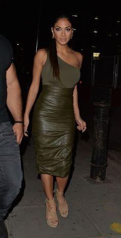 Exclusif - Nicole Scherzinger et Calvin Harris sortent de la boîte de nuit Tape à Londres, le 9 juil