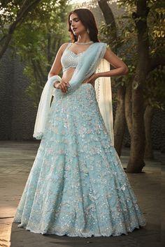 Dress Indian Style, Indian Fashion Dresses, Indian Designer Outfits, Designer Dresses, Party Wear Indian Dresses, Wedding Lehenga Designs, Wedding Lehnga, Bridal Lehenga, Lehenga Designs Simple