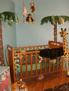 Cute jungle theme baby's room
