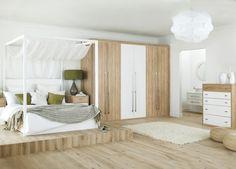 chambre de design moderne avec lit à baldaquin