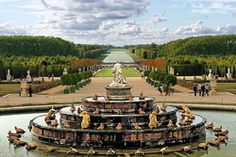 You were in Paris and had not visited Versailles? This is an unacceptable omission, especially because of it is located in twenty kilometers from the city.    And what is Versailles?