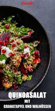 Light cuisine: quinoa salad with pomegranate and walnuts - Gesunde Ernährung & Detox - Salad Healthy Juice Recipes, Healthy Juices, Detox Recipes, Veggie Recipes, Mexican Food Recipes, Salad Recipes, Ethnic Recipes, Snacks Sains, Cauliflower Recipes