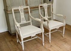 Swedish antiques period 1770-1850 specialised in Gustavian antiques. All items original and in good condition.