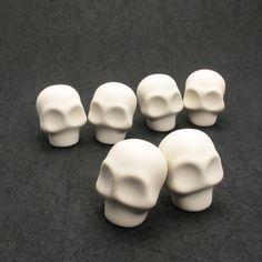 Unpainted Skull Cake Toppers A 5 Pairs by goodiemud | gOOdiemud