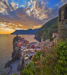 """Spectacular #Vernazza on #sunset  #CinqueTerre #Italia # . Check out @g0lden_heart #golden_heart Follow @magicpict #magicpict"""