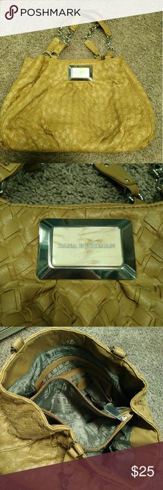 $22/OBO Tan Purse - Tons of Pockets for Storage EUC. Gently used. Bags