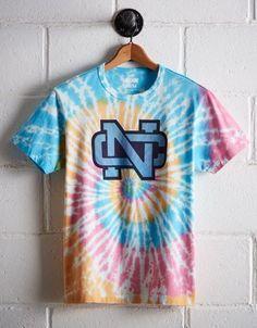 Casual Shirts For Men, Men Casual, Carolina University, American Beagle, Unc Tarheels, Ae Jeans, Tie Dye Patterns, Tie Dye T Shirts, School Spirit