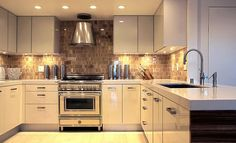 kitchen with under cabinets lighting Under Cabinet Lighting Adds Style and Function to Your Kitchen