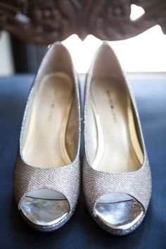 Sparkly silver peep-toes for the bride! | Kristina Cipolla Photography