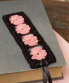 Oh, this is so sweet!  Rose Keepsake Bookmark - free pattern via RedHeart.  I really like the vintage vibe, and the black thread!!  :)
