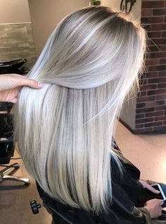 Long straight hair with platinum pearl blonde hair colors and lighter skin . - Long straight hair with platinum pearl blonde hair colors and lighter skin … # smooth colo - Blonde Hair Looks, Brown Blonde Hair, Platinum Blonde Hair, Platinum Blonde Highlights, Blonde Straight Hair, Blonde Wig, Blonde Brunette, Icy Blonde, Short Blonde