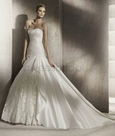 Satin A-Line Tulle Strapless Sweetheart Neckline Pleated Bodice Wedding Dress