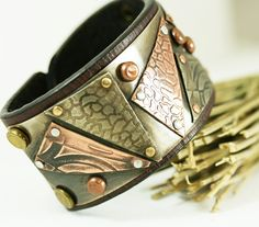 Handcrafted Jewelry by Lynne Wiencek. Mixed metal jewelry for the eclectic heart. Strong, Unique.