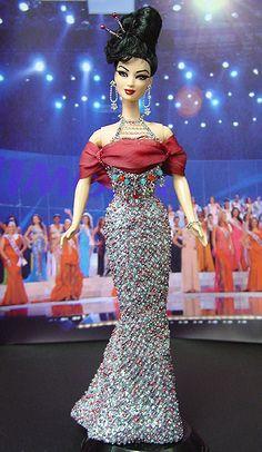 OOAK Barbie NiniMomo's Miss Singapore 2011