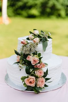 Small white wedding cake    #wedding #weddings #weddingideas #aislesociety #engaged #pinkweddings