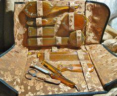Antique Art Deco Vanity Set Butterscotch with Case 11 Pcs Antique Vanity, Vintage Vanity, Antique Art, Vintage Antiques, Dresser Vanity, Dresser Sets, Vanity Set, Hair Brush Set, Art Deco Vanity