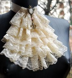 Ruffle neck piece-I would like to add a drop down Key Steampunk Fashion, Victorian Fashion, Dress Dior, Victorian Collar, Mode Hippie, Estilo Lolita, Gothic Mode, Mode Costume, Steampunk Accessories