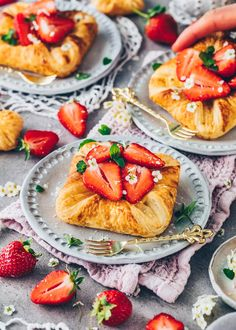 Puff Pastry with Custard and Strawberries Pastry Recipes, Dessert Recipes, Easy Homemade Desserts, Gluten Free Brands, Croissant Recipe, Custard Pudding, Puff Pastry Dough, Dairy Free Milk, Fruit Jam