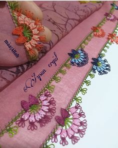 @aysun__ergulun_igneoyalari55 . .… Henna Tattoo Kit, Tattoo Kits, Henna Tattoo Designs, Knitted Poncho, Knitted Shawls, Fancy Clock, Mehndi Flower, Tatting, Arts And Crafts