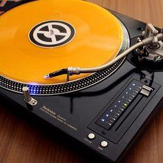 Technics MK5G x Concorde Q.Bert by NextSoundBrasil #technics #sl1210 #technicsmk5g #turntablism #turntable #scratch #scratching #realdjing #clubdjing #qbert #traktor #ortofon #ortofondj #limited #vinyl #vinylrules #vinyljunkie by ortofon_dj http://ift.tt/1HNGVsC