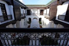 Marrakech, Riad Elisa (Kitty) Marrakech, Places To Go, Kitty, Mansions, House Styles, Home Decor, Little Kitty, Decoration Home, Manor Houses