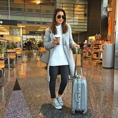 67 ideas travel outfit spring airport casual for 2019 Travel Outfit Spring, Comfy Travel Outfit, Spring Outfits, Girl Outfits, Fashion Outfits, Fashion Clothes, Sneakers Fashion, Grey Sneakers, Cute Travel Outfits