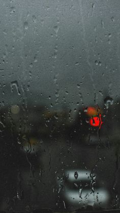 Photography on Raining Day of Window View and Window Glass raindrops. Cozy Rainy Day, Rainy Mood, Rainy Night, Rainy Day Photography, Rain Photography, Creative Photography, White Photography, Minimalist Photography, Cellphone Wallpaper