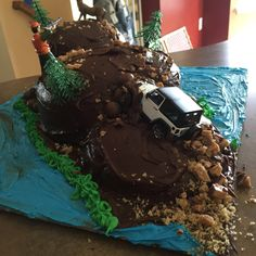 The cake i made for my husband a jeep off-roading / hunting cake