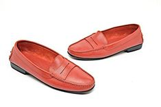 94967837bbb TOD-039-S-Red-Pebble-Leather-Flat-Penny-Loafers -with-Rubber-Pebble-Rear-Soles-Sz-39