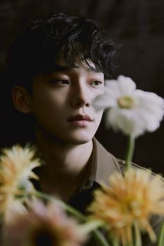 """""""Reliably worth-listening"""" vocalist Chen (EXO, under SM Entertainment) proved his great solo power right after the comeback. Suho, Park Chanyeol, Exo Ot12, Chanbaek, Exo Chen, Lay Exo, K Pop, Exo Album, Exo Official"""