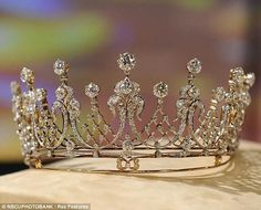 Antique Tiara worn by Elizabeth Taylor a gift from Mike Todd