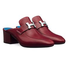 Paradis Hermes ladies' mule in goatskin, palladium plated H buckle, leather sole and China blue leather lining, heel in carmine red leather Color : carmin Red Loafers, Red Flats, Leather Loafers, Red Leather, Red Mules, Hermes Shoes, Loafer Mules, Shoes 2017, Oxford Shoes