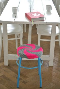 Candy spiral could be neat too for front hall table. No pattern.