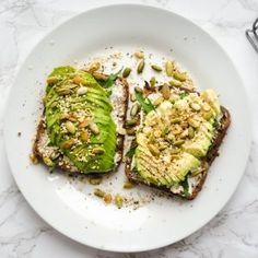 Δίαιτα για μείωση λίπους στην κοιλιά: Το πλάνο διατροφής της πρώτης εβδομάδας - Shape.gr Healthy Breakfast Recipes, Clean Eating Recipes, Clean Eating Snacks, Healthy Snacks, Snack Recipes, Healthy Eating, Healthy Recipes, Vegetarian Day, Vegetarian Recipes