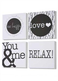 Jetzt anschauen: Originell und stilsicher: Modernes 4-teiliges Bilder-Set mit verschiedenen Begriffen, topaktuelles Design in schwarz-weiß, auf Leinwand gedruckt und auf einen Holz-Keilrahmen gespannt, inkl. Aufhängevorrichtung.