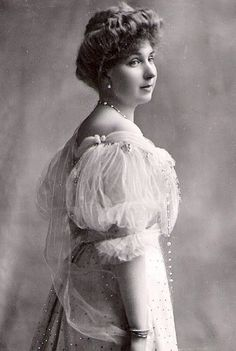 teatimeatwinterpalace:  Princess Victoria Eugenie of Battenberg, Queen Consort of Spain.