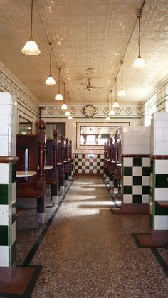 Manze's Pie & Mash Shop down Walthamstow High Street,I wanna try the famous pie&mash:) Old London, East London, Pie And Mash, Magic Places, Pie Shop, Victorian Tiles, London History, England And Scotland, Shops