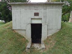 Zachary Taylor Gravesite Location: Zachary Taylor National Cemetery Address: 4701 Brownsboro Road, Louisville, Kentucky