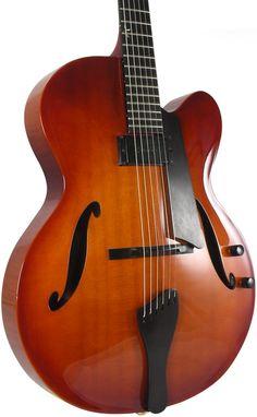 Benedetto Bravo Elite™ Archtop Jazz Guitar
