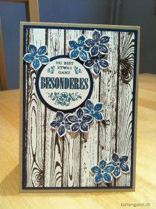 Grusskarte / Greeting card °°° Stampin' Up!. Etwas ganz Besonderes, Flüsterweiss, Hardwood, Kleine Blüte, Marineblau, Petite Petals, Petrol, Savanne, Schokobraun