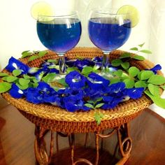 #Bluechai #cocktail decoration with a slice of lime