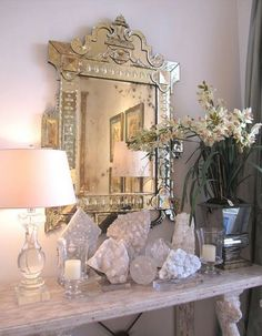 Spiritual Glamour: How to use crystals and stones in your home (to attract more of what you want!) — The Decorista Bliss Home And Design, Spiritual Decor, Crystals In The Home, Black Crystals, Decoration Inspiration, Crystal Decor, Crystal Altar, Decor Interior Design, Interior Designing