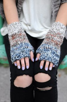 Hey, I found this really awesome Etsy listing at https://www.etsy.com/ru/listing/122328165/chunky-knit-fingerless-mitts-knit