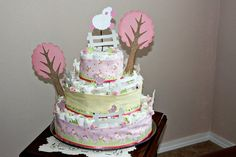 diaper cake. look at bassinet diaper cake too!