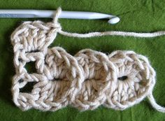 increasing and decreasing crocodile stitch  ✿Teresa Restegui http://www.pinterest.com/teretegui/✿ ˜