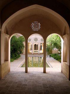 :::: ✿⊱╮☼ ☾ PINTEREST.COM christiancross ☀❤•♥•* :::: Courtyard, Kashan, Iran.