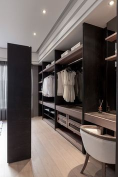 Interior design Layout Walk In, Awesome Small WalkIn Closet Design Ideas and Inspiration for Modern Home Decor Interior Dressing Room Decor, Dressing Room Closet, Wardrobe Closet, Closet Bedroom, Dressing Rooms, Master Closet, Bedroom Storage, Dressing Area, Ikea Walk In Wardrobe