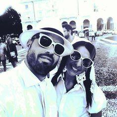 Attenti a quei due!! # family # Cena in bianco #iNovara #pegboutique #bellaserata