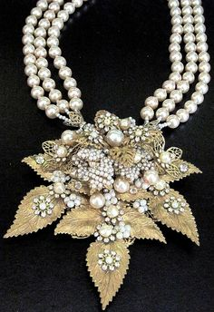 MIRIAM HASKELL Amazing & HUGE Rhinestone Glass Pearl Golden Leaves Necklace <--- I think this is not Haskell but Stanley Hagler.